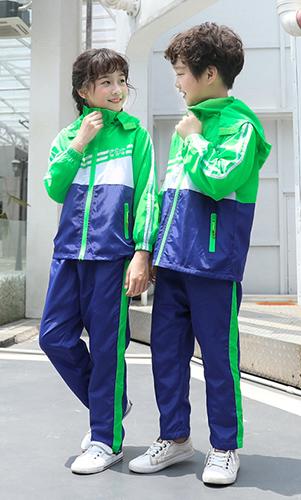 冲锋衣校服小孩活力绿色套装